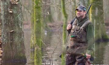 How to Hunt Late-Season Mallards in Fields vs. Water