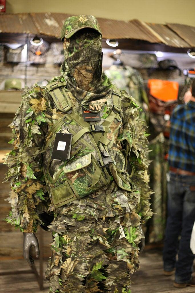 Nomad Leafy Wear
