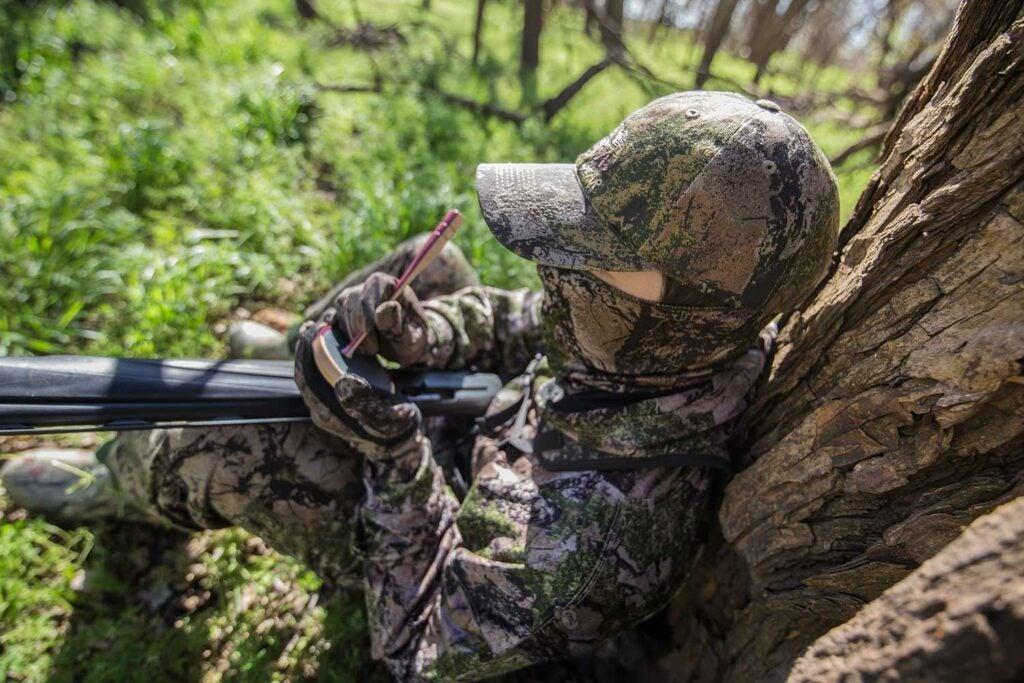 Hunter callinng in turkeys on a scratch call.