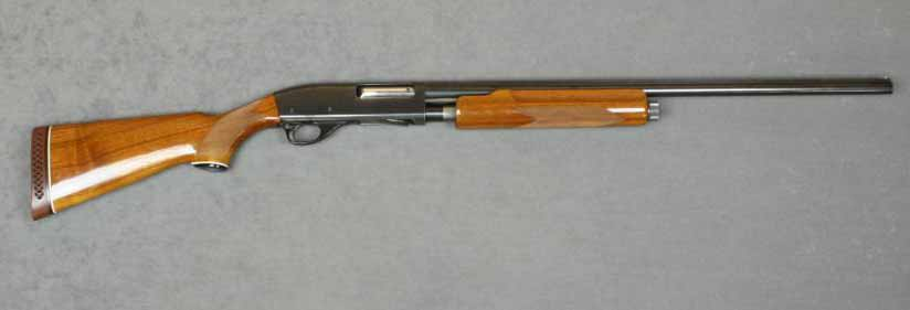 A Smith & Wesson 3000 icollector shotgun on a white background.