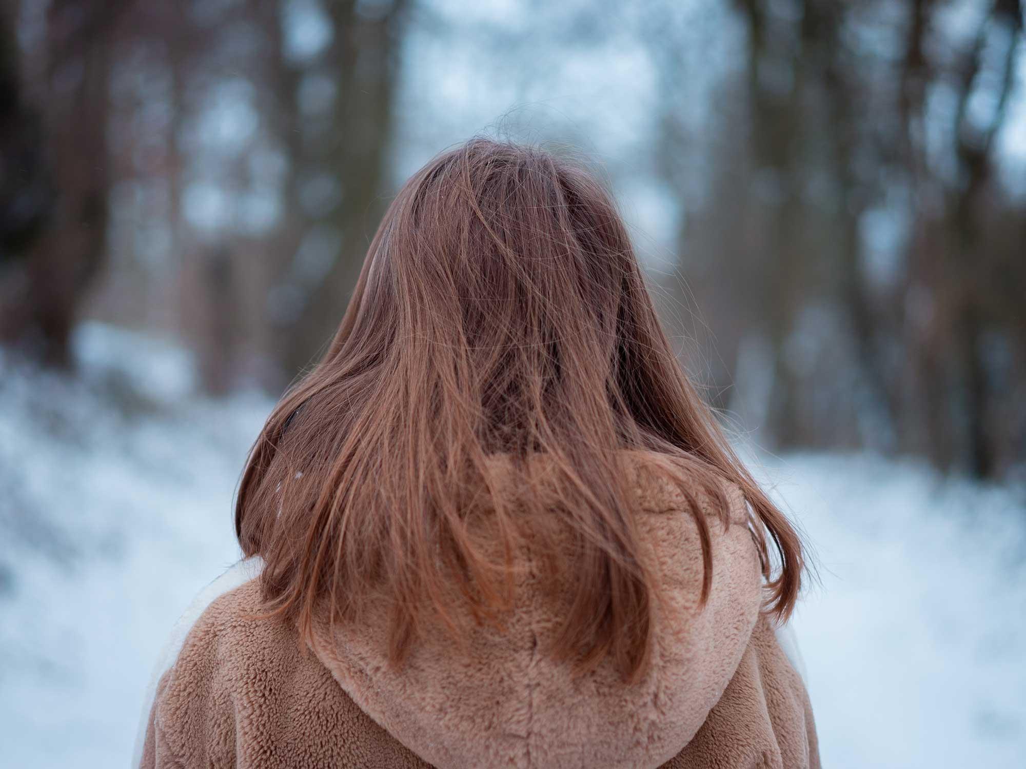 Woman wearing a fleece coat