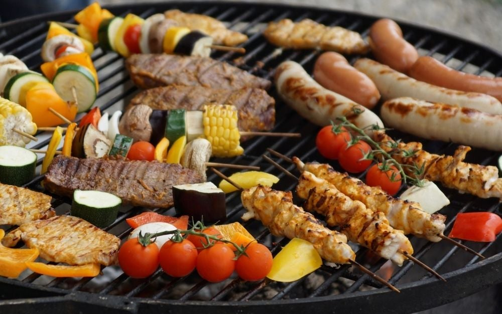 Barbecues in charcoal grills