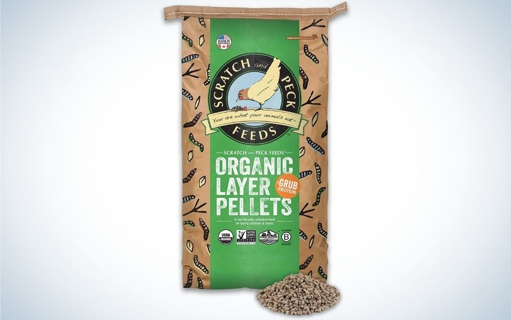 A green and brown packing with organic layer pellets written into it.