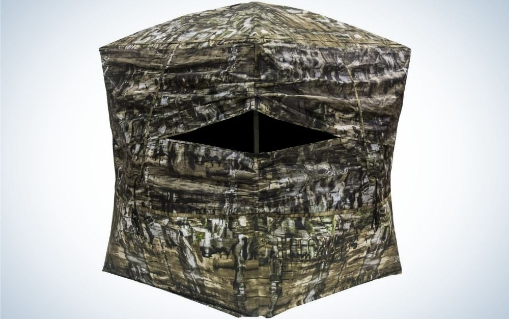 Portable ground blind for hunting