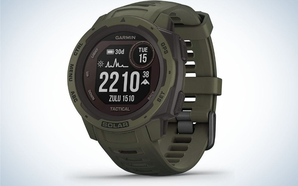 Garmin smartwatch makes the best graduation gifts for outdoorsmen