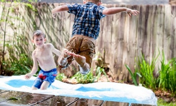 Best Backyard Swing Sets, Games, and Activities for Summer Parties with the Family