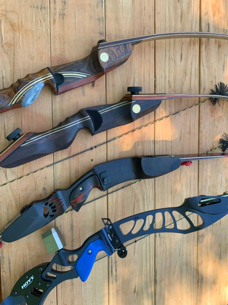 Traditional hunting bows