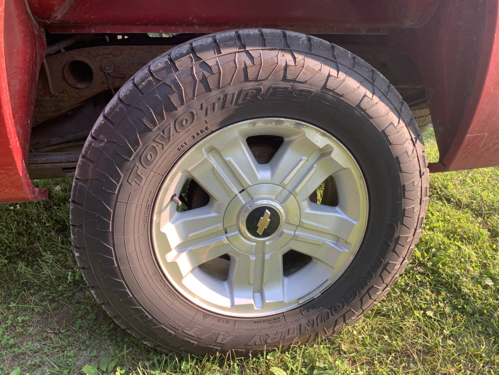 Change the way you drive off-road with an aftermarket truck tire.