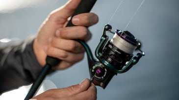 How to spool a spinning reel and avoid line twists.