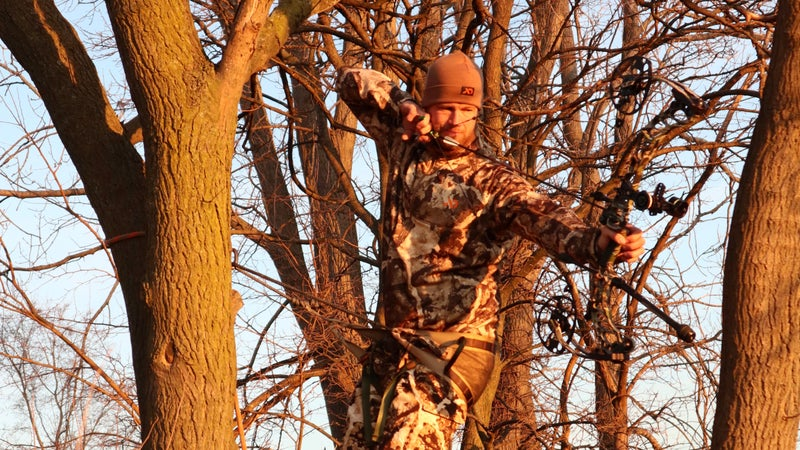 A Guide to the Best Tree Saddles and Mobile Tree Stands (And When to Use Them)