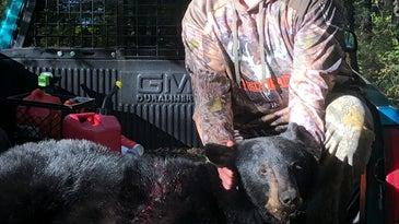 B.J. Applegate kills one of Missouri's first black bears.